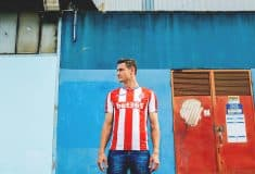 Image de l'article Shooting – Les maillots de Stoke City par Macron !