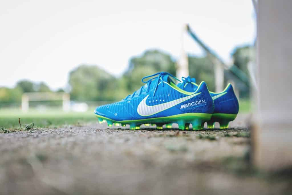nike-mercurial-vapor-written-the-stars-neymar-footpack-1