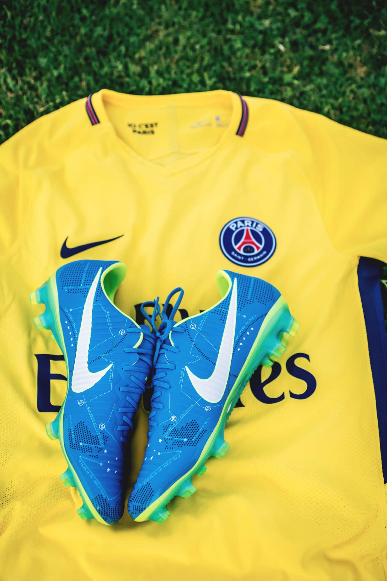 nike-mercurial-vapor-written-the-stars-neymar-footpack-10