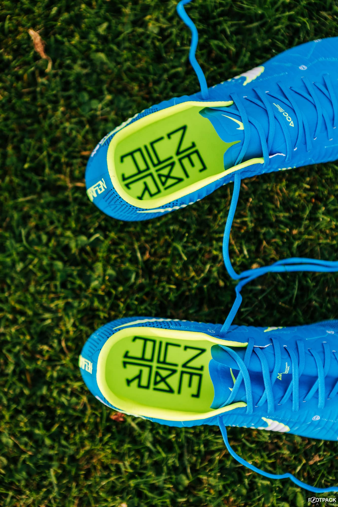 nike-mercurial-vapor-written-the-stars-neymar-footpack-7