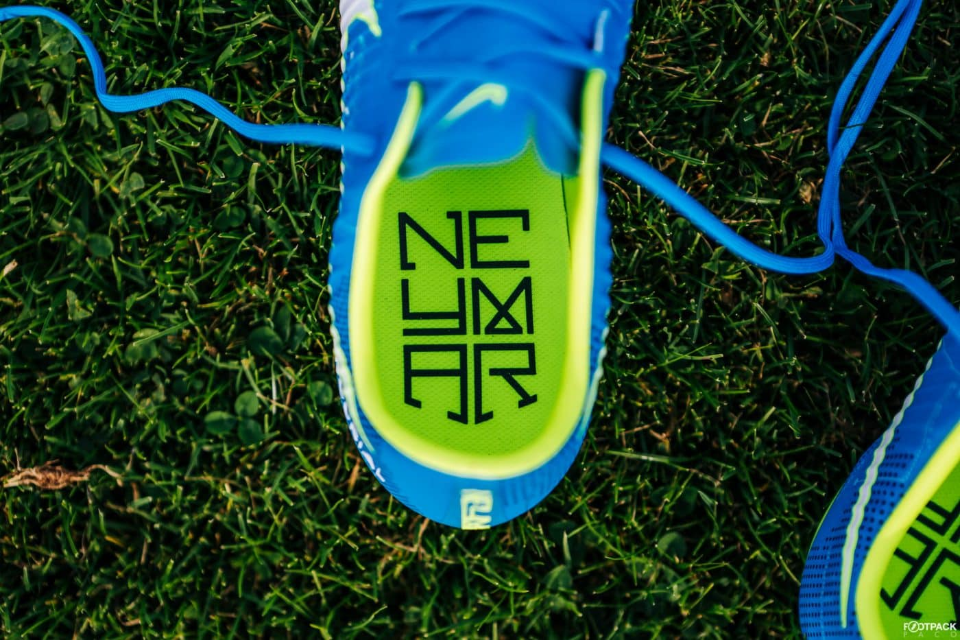 nike-mercurial-vapor-written-the-stars-neymar-footpack-8