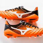 Un nouveau coloris «Orange/Noir» pour la Mizuno Morelia Neo