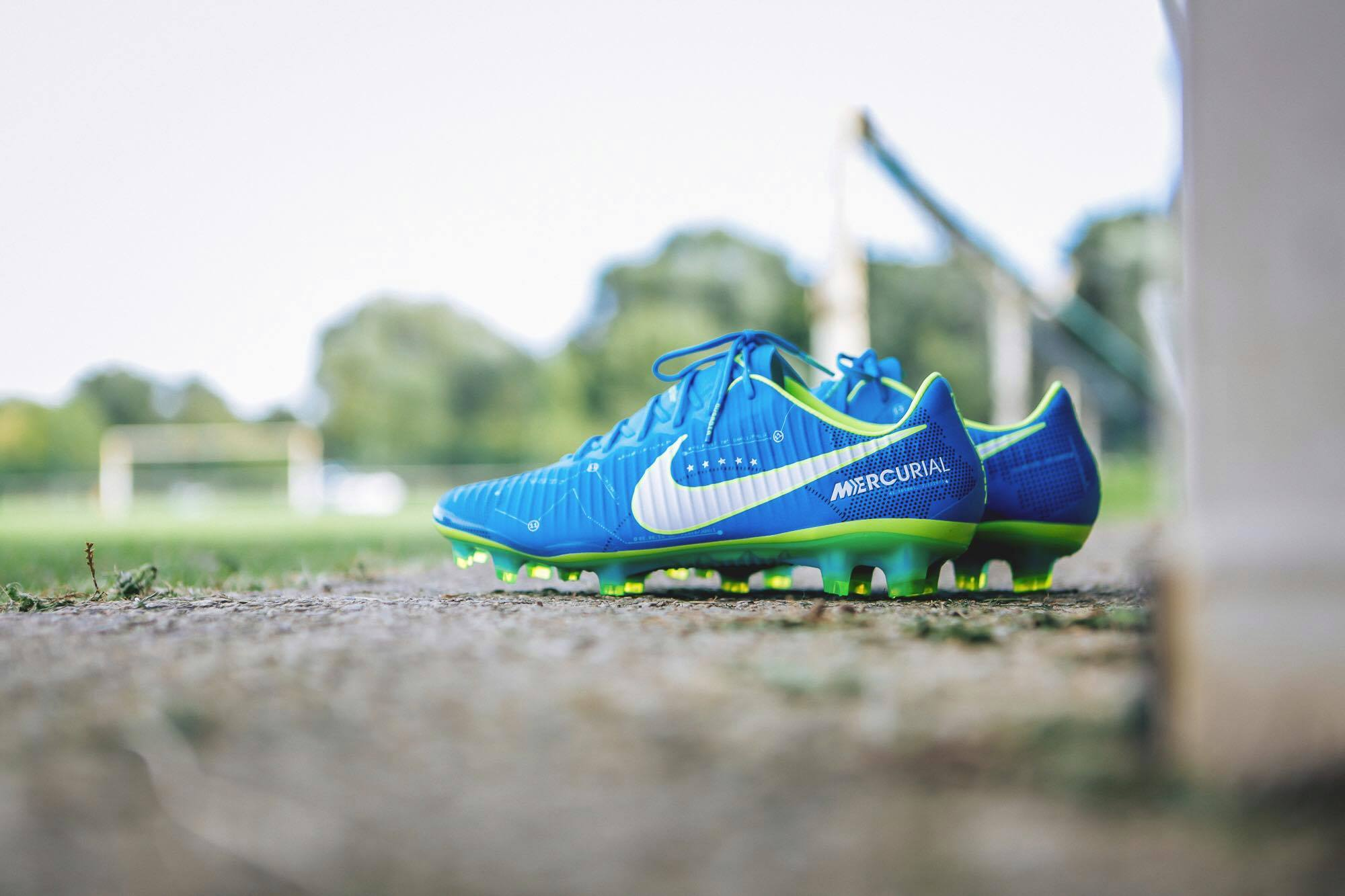 chaussure-nike-mercurial-Vapor-XI-neymar-written-in-the-stars-img1
