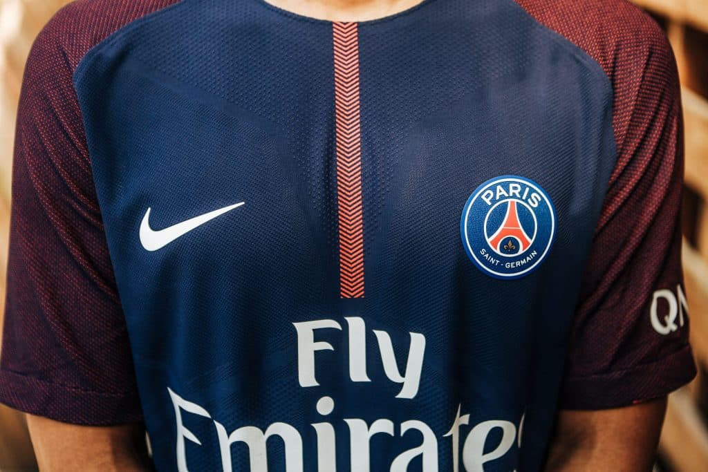 maillot-football-psg-plus-beau-ligue-1-2-min