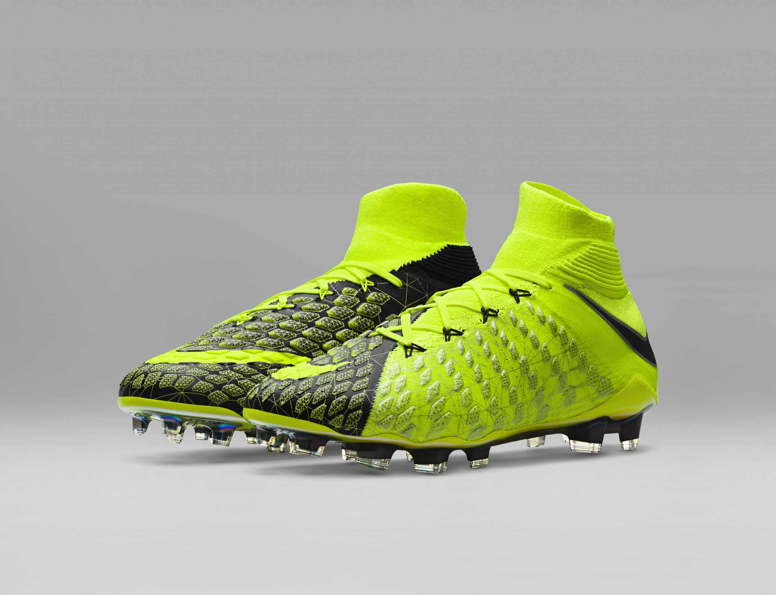 chaussure-football-nike-hypervenom-3-DF-ea-sports-fifa18-cavani-11