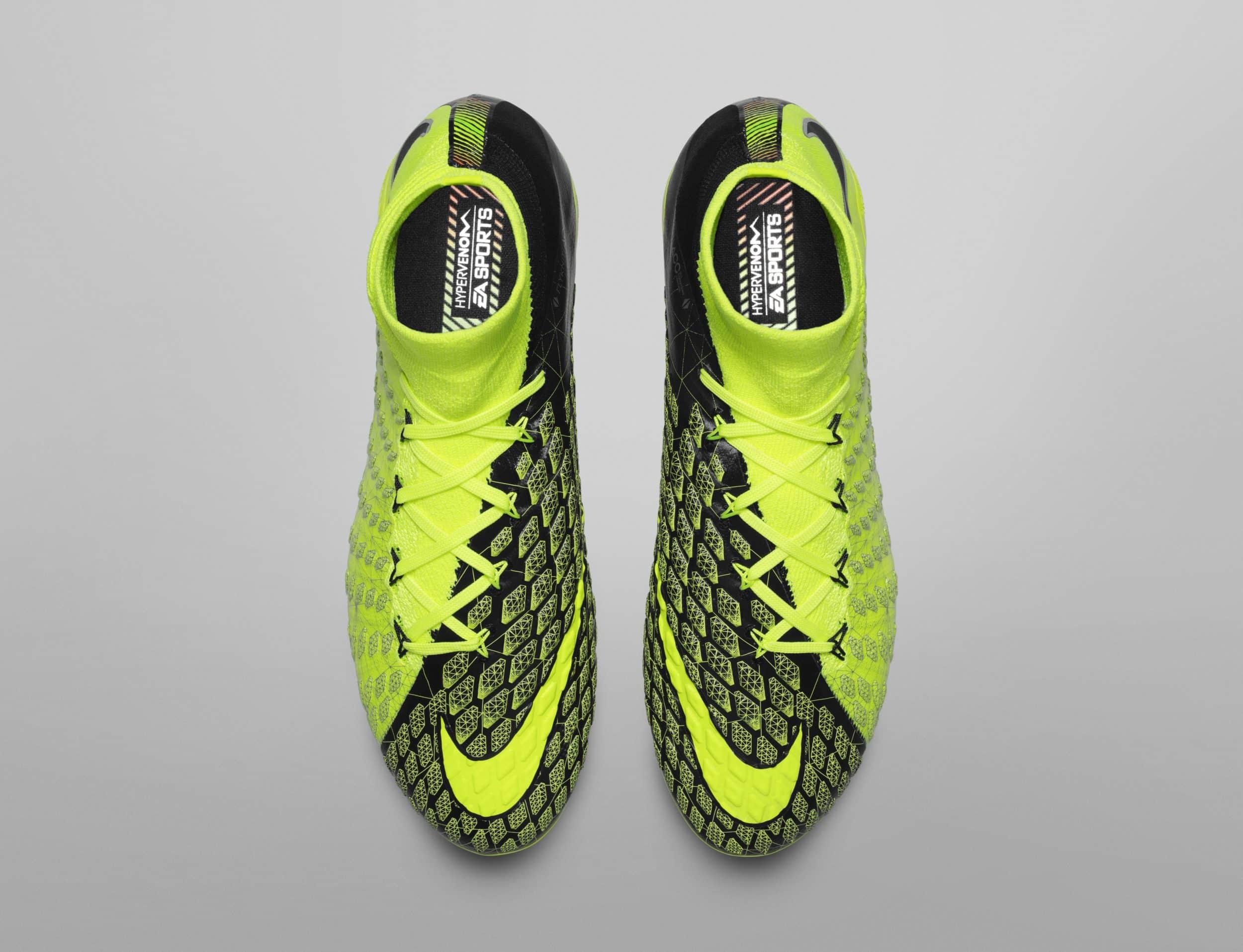 chaussure-football-nike-hypervenom-3-DF-ea-sports-fifa18-cavani-3