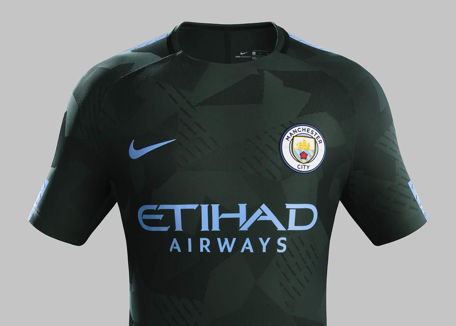 maillot-football-manchester-city-2017-2018-ligue-des-champions-septembre