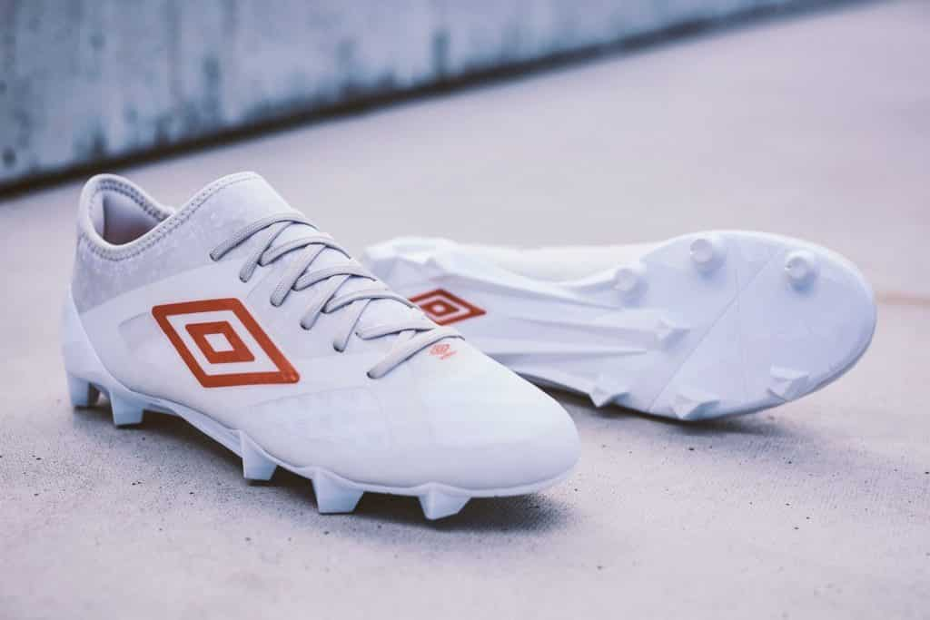 chaussure-football-pack-triadic-umbro-3