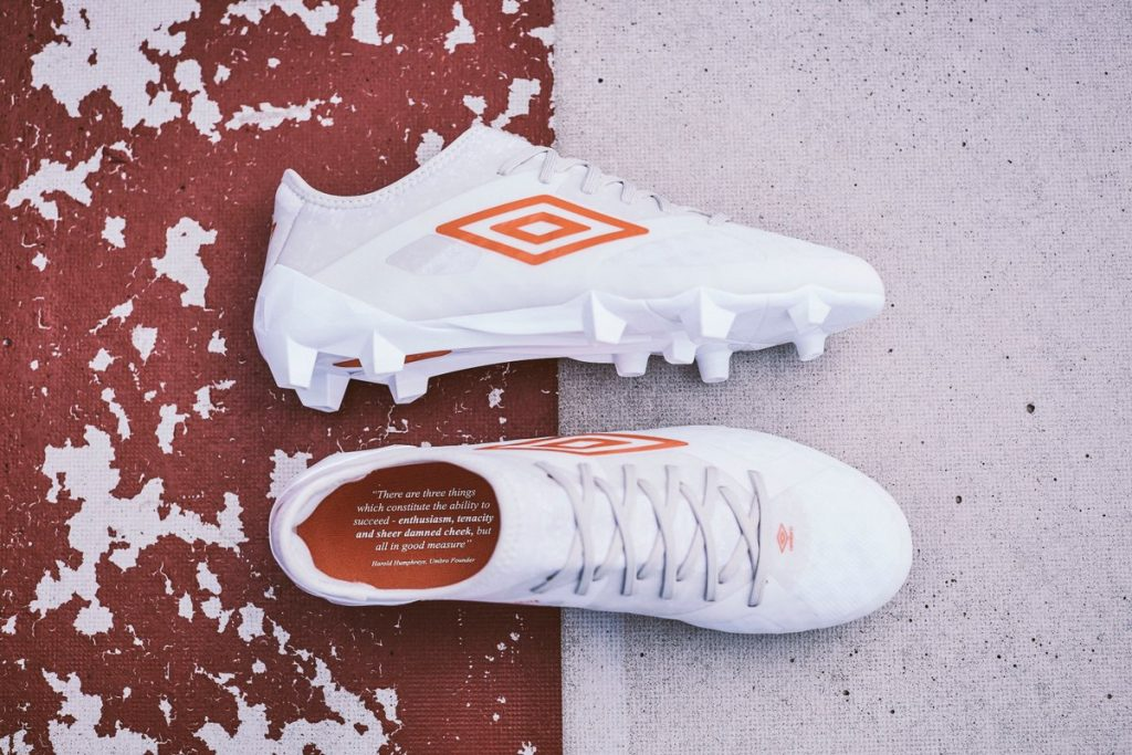 chaussure-football-pack-triadic-umbro-4