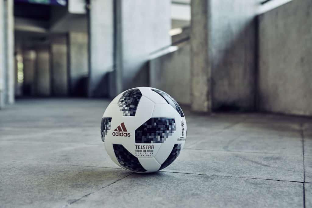 nouveau-ballon-coupe-du-monde-2018-adidas-telstar-4