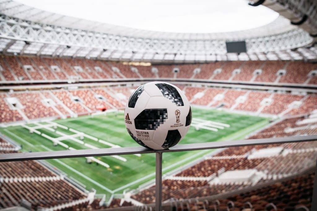 nouveau-ballon-coupe-du-monde-2018-adidas-telstar-9