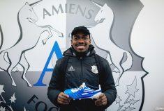 Image de l'article [MAJ] On a mis la main sur une paire de chaussures de Gaël Kakuta!