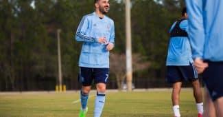 Image de l'article Fin de contrat avec adidas pour David Villa qui joue désormais en Joma ?