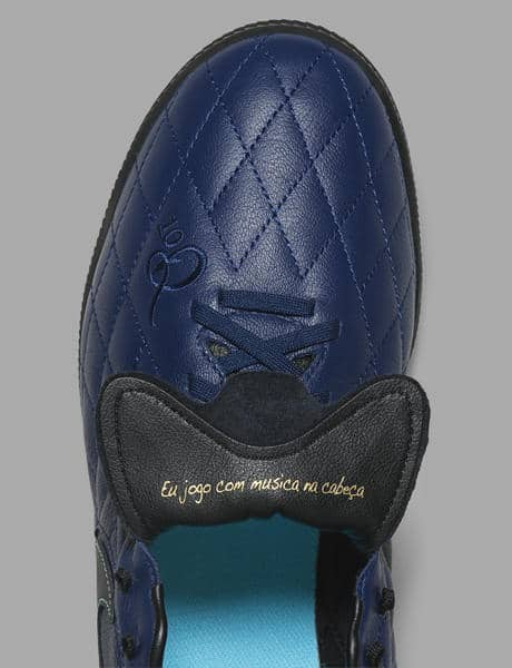chaussure-de-foot-ronaldhino-nike-10r-city-collection-06_native_600.jpg