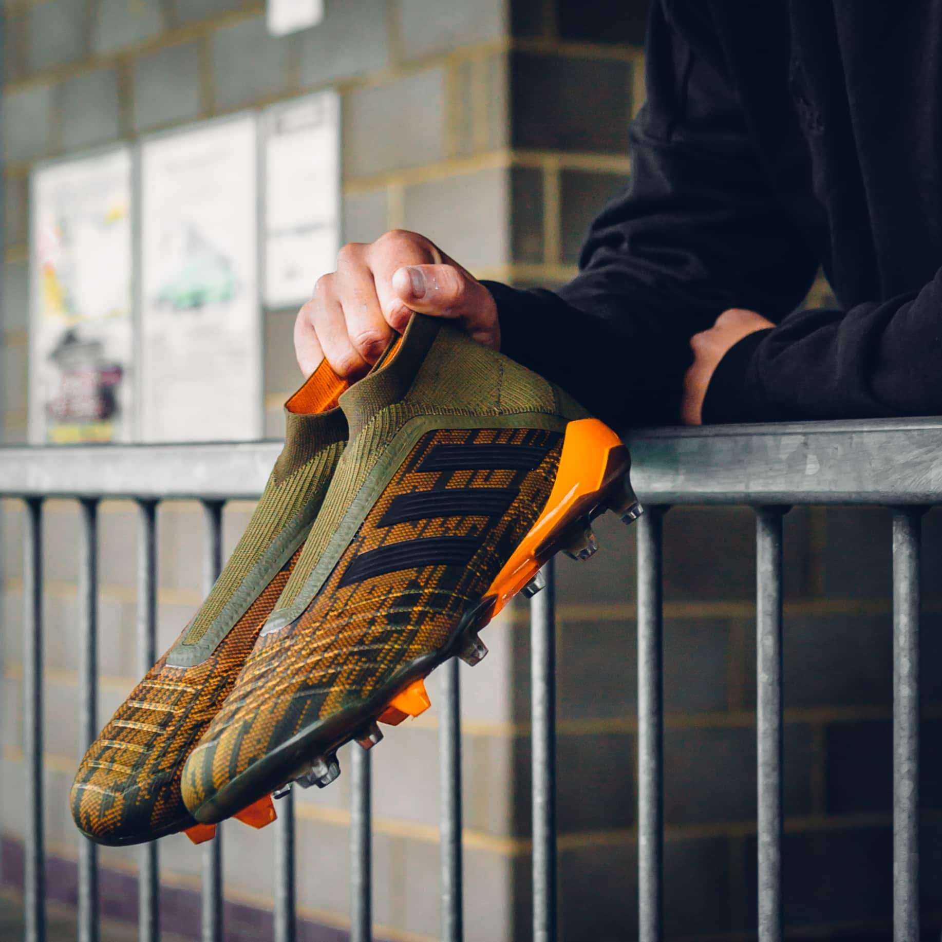 chaussure-football-adidas-predator18-pack-lone-hunter-janvier-2018