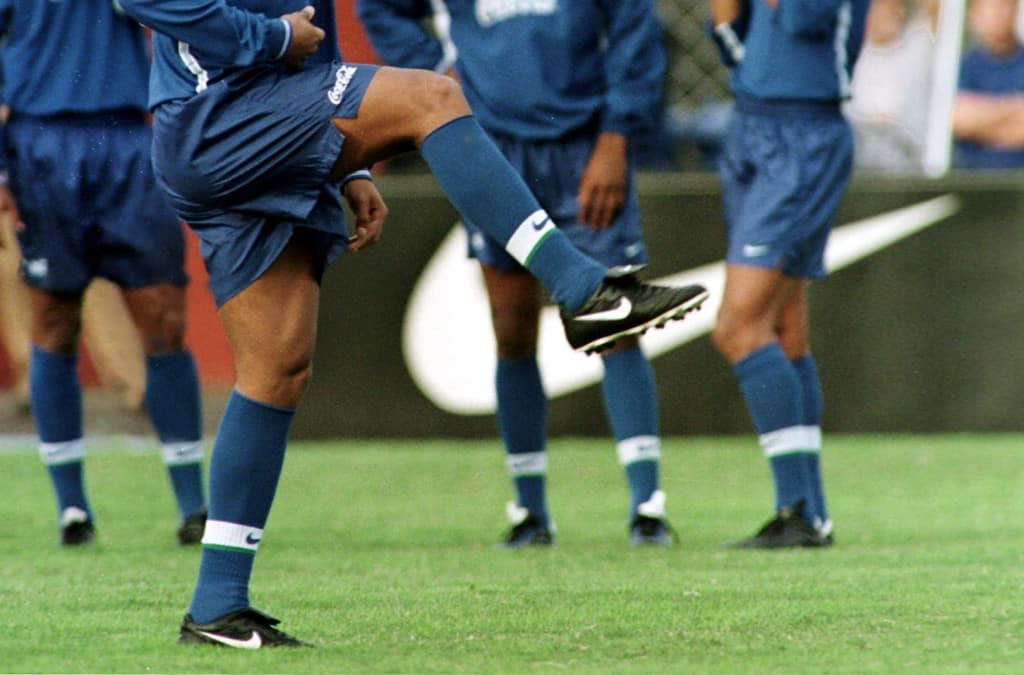 ronaldinho-gremio-Nike-Tiempo