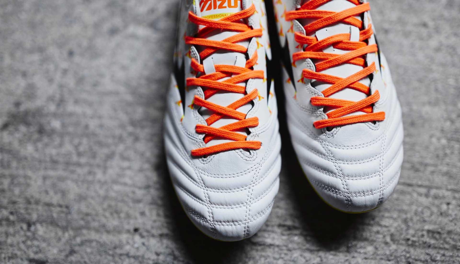 chaussures-football-Mizuno-Morelia-Neo-Origami-blanc-orange-jaune-img5