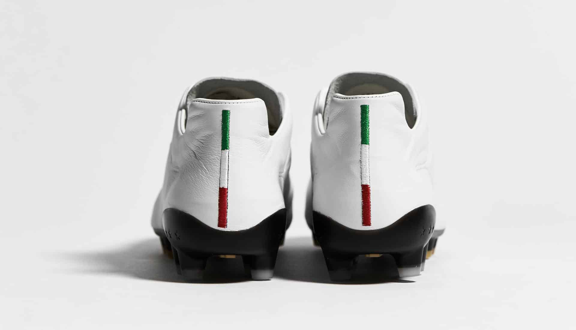 chaussures-football-Pantofola-d-Oro-Superleggera-blanc-img1
