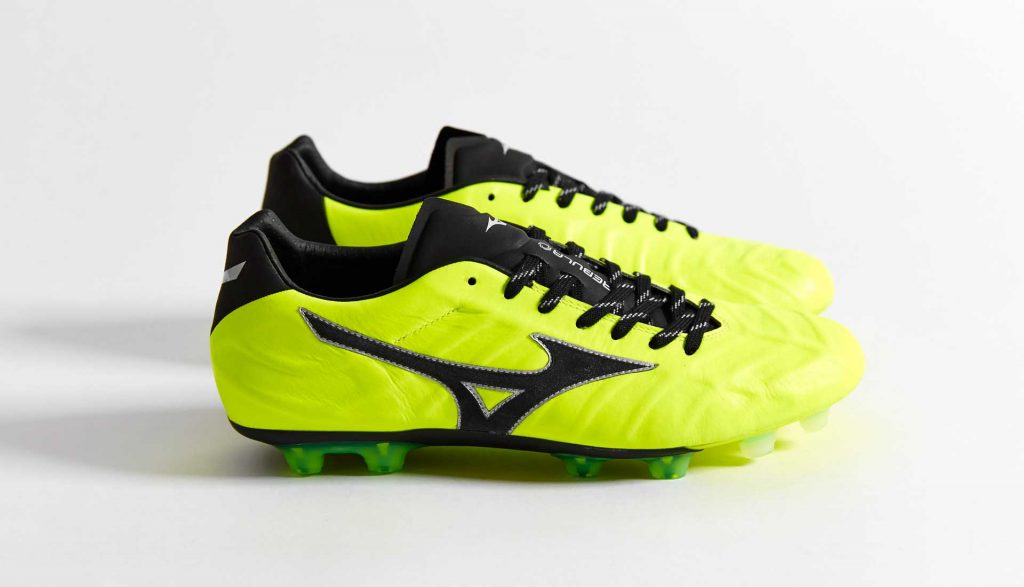 chaussure-foot-mizuno-rebula-v1-MIJ-safety-yellow-black-4