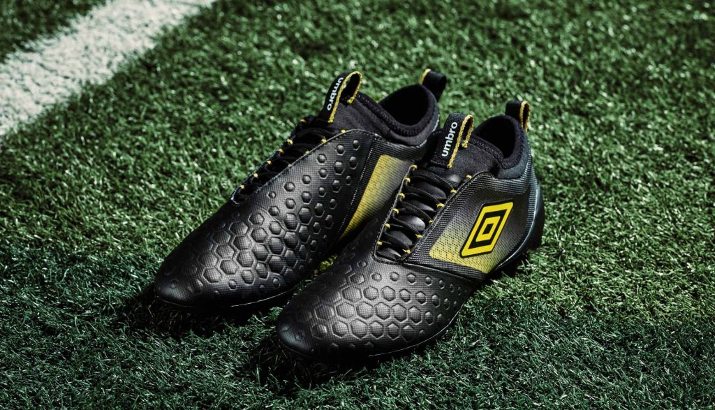 chaussure-foot-umbro-black-golden-kiwi-pack 2