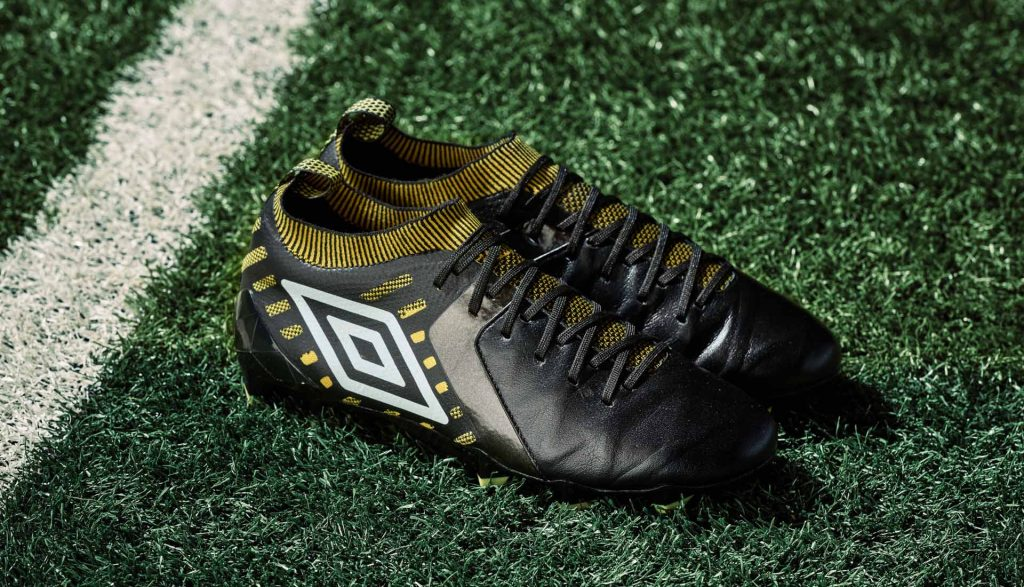 chaussure-foot-umbro-black-golden-kiwi-pack 4