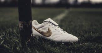Image de l'article Nike réédite la mythique Tiempo «Touch of gold» de Ronaldinho pour son anniversaire