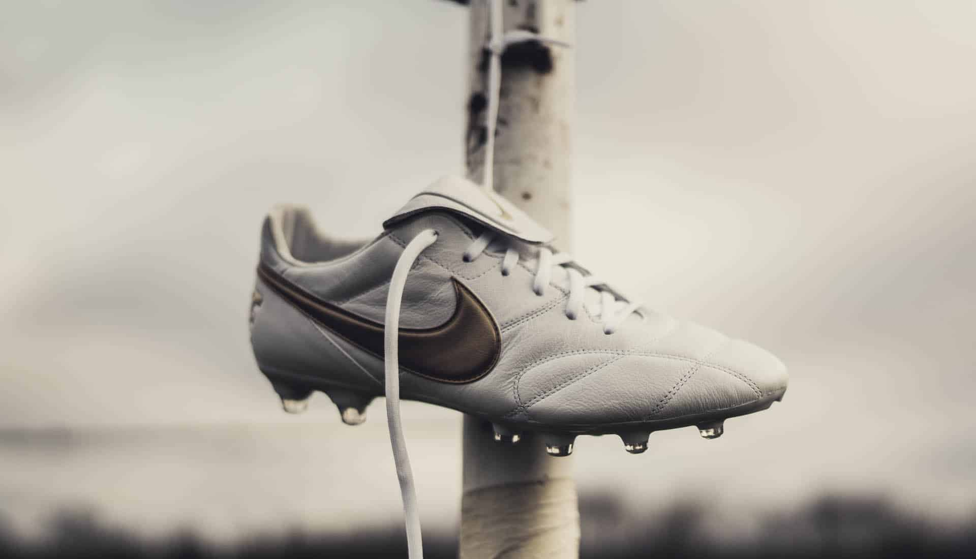 chaussures-football-Nike-premier-2-white-gold-r10-img2