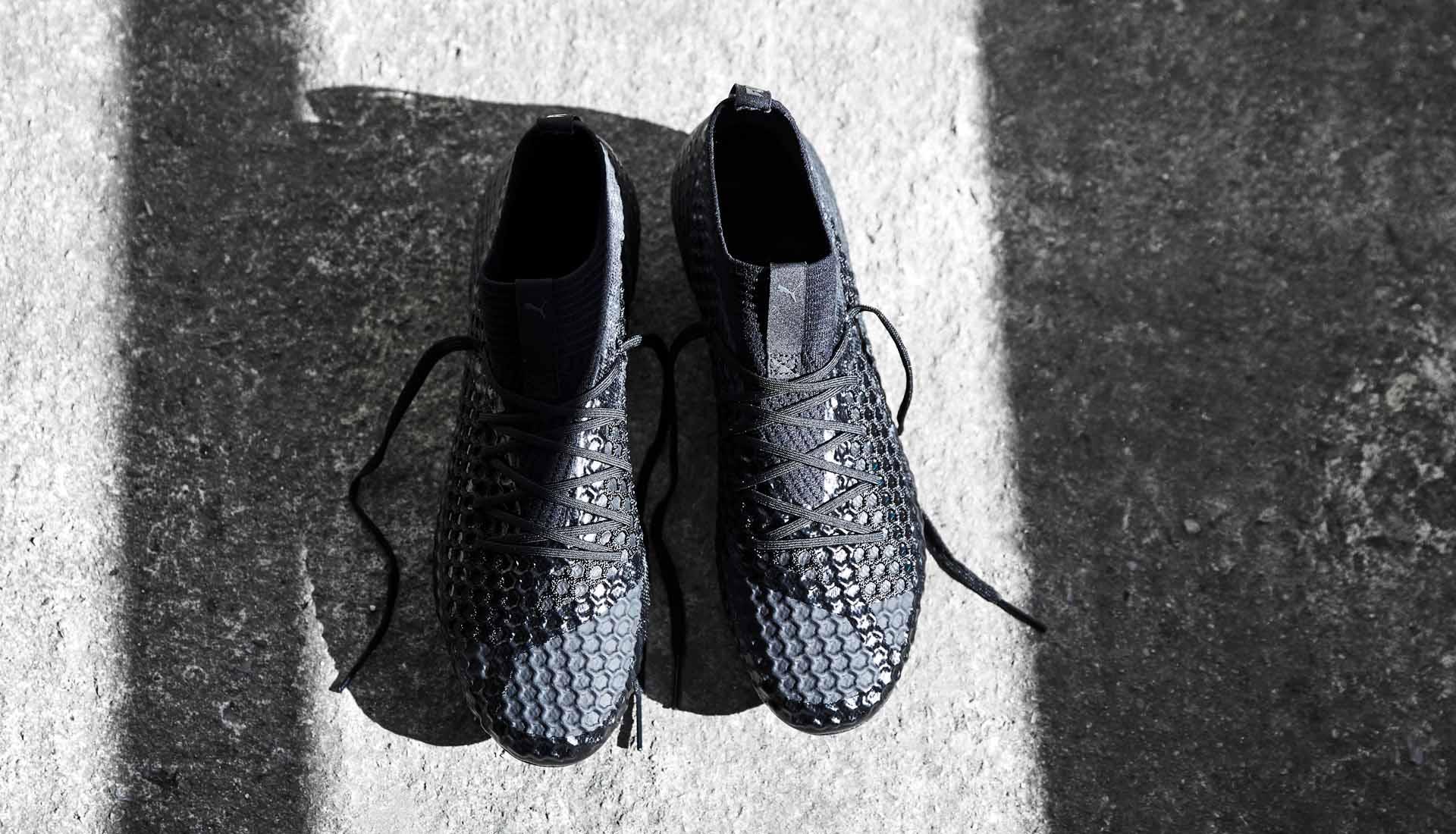 chaussures-football-Puma-Future-18-1-Blackout-img2