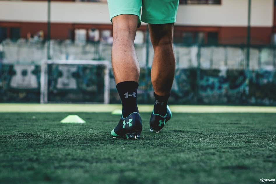 chaussures-football-Under-Armour-Spotlight-2-vert-img2
