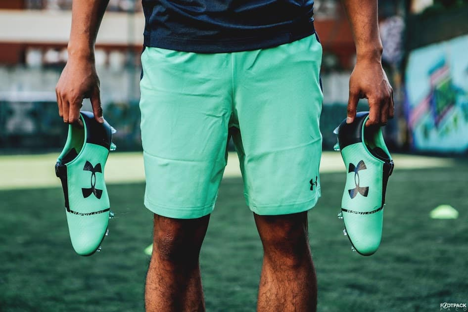 chaussures-football-Under-Armour-Spotlight-2-vert-img6