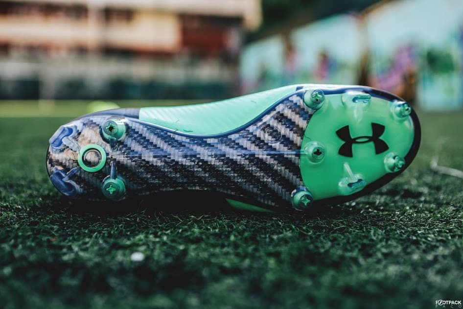 chaussures-football-Under-Armour-Spotlight-2-vert-img8
