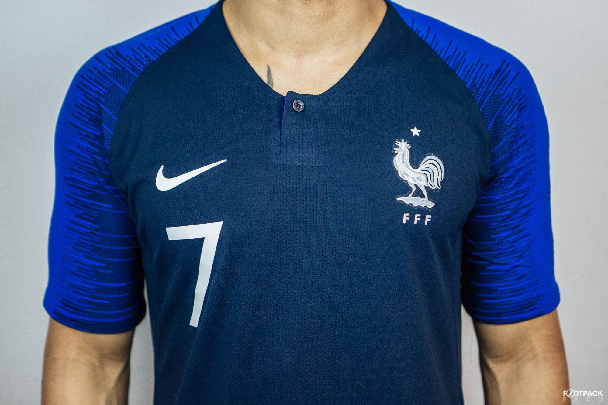 90c67fc18f721 Pourquoi les numéros des joueurs de l'équipe de France étaient floqués dans  l'axe sur le devant du maillot ?