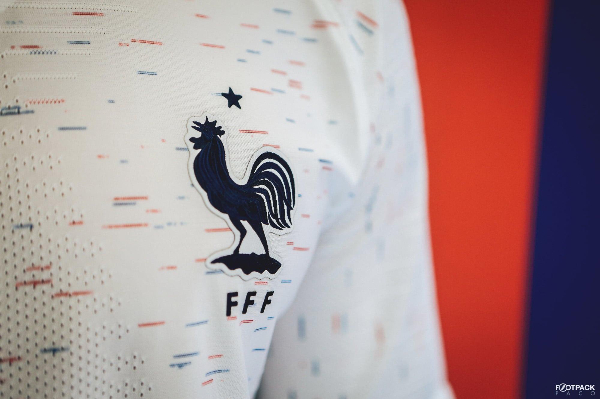 maillot-exterieur-equipe-de-france-coupe-du-monde-2018-coq