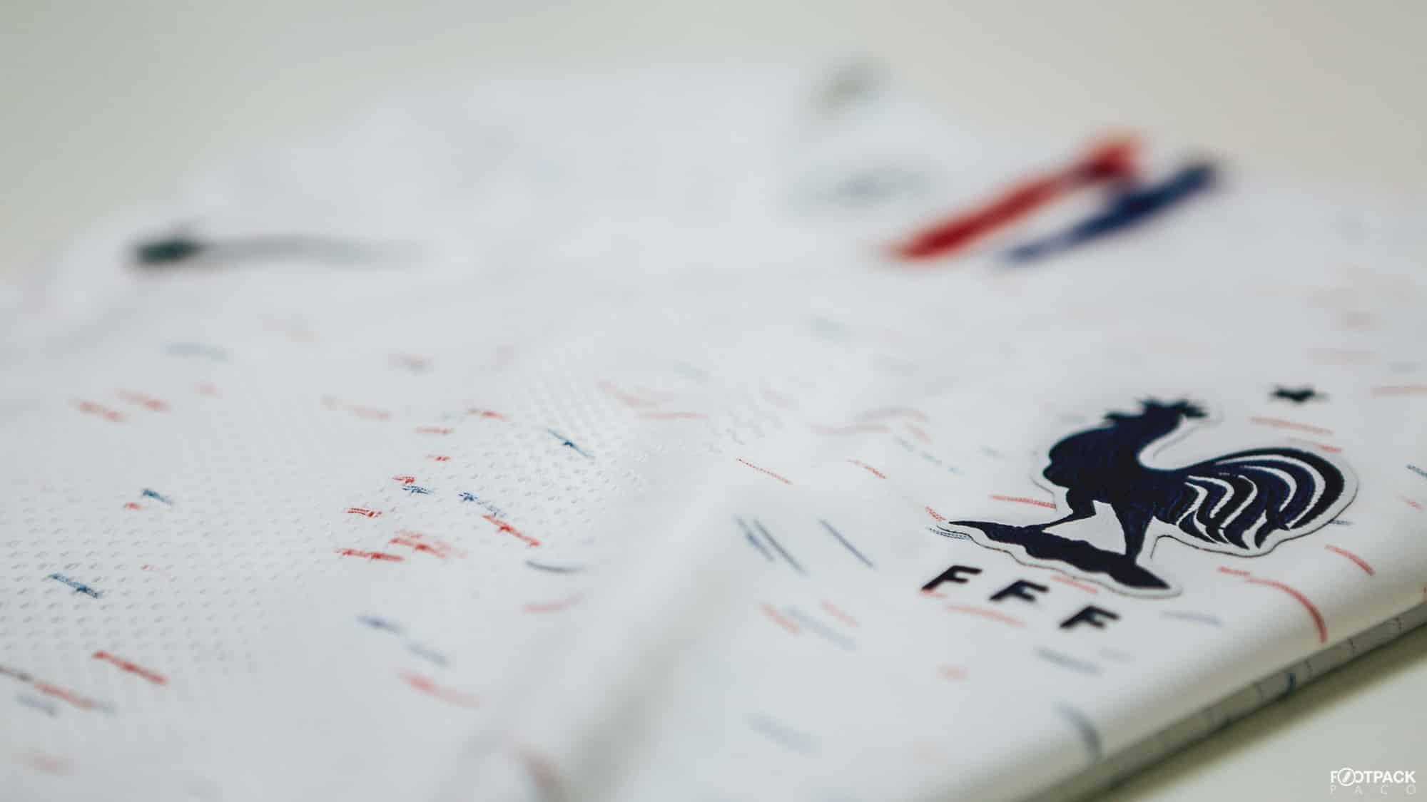 maillot-exterieur-equipe-de-france-coupe-du-monde-2018-flanc