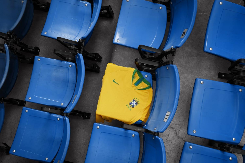 maillot-football-Nike-Bresil-domicile-2018-img4