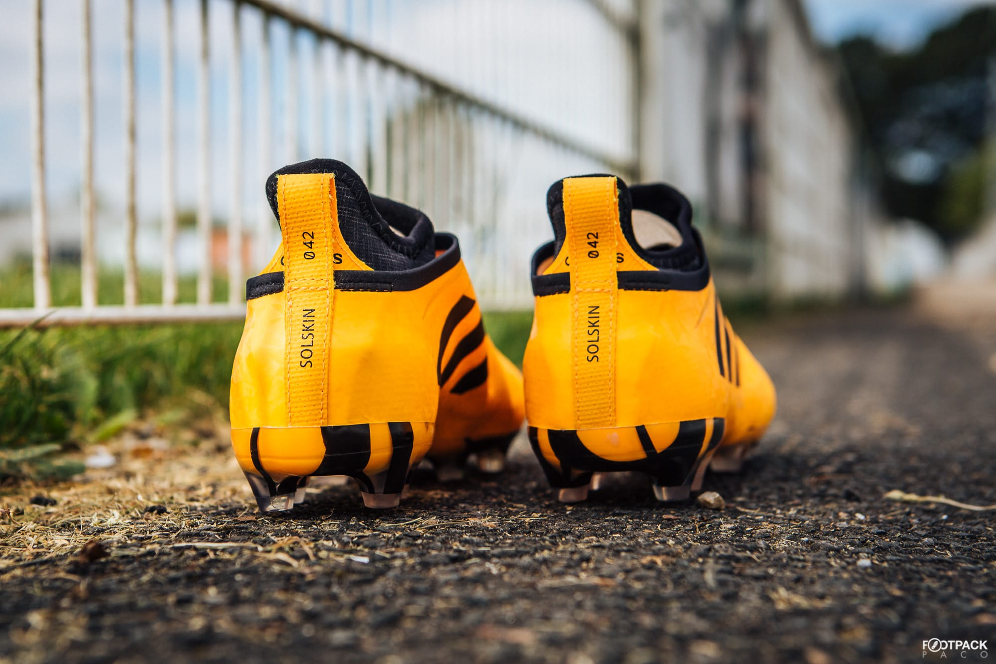 chaussure-adidas-football-glitch-sol-avril-2018-3