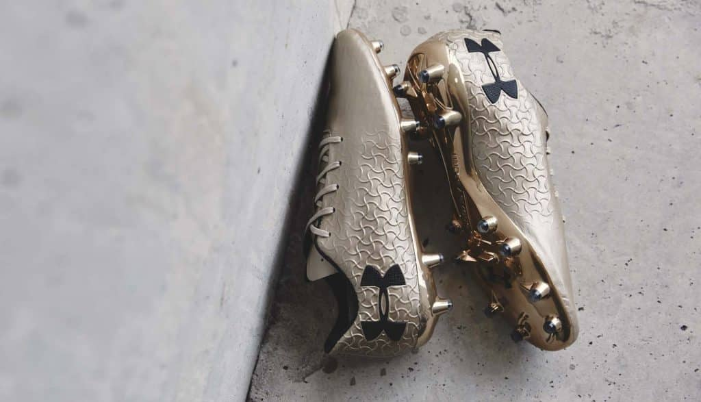 chaussure-foot-under-armour-magnetico-pro-metallic-gold 4