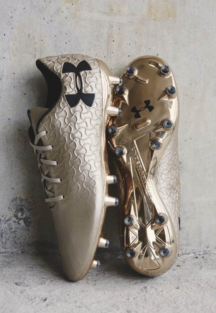 chaussure-foot-under-armour-magnetico-pro-metallic-gold 7