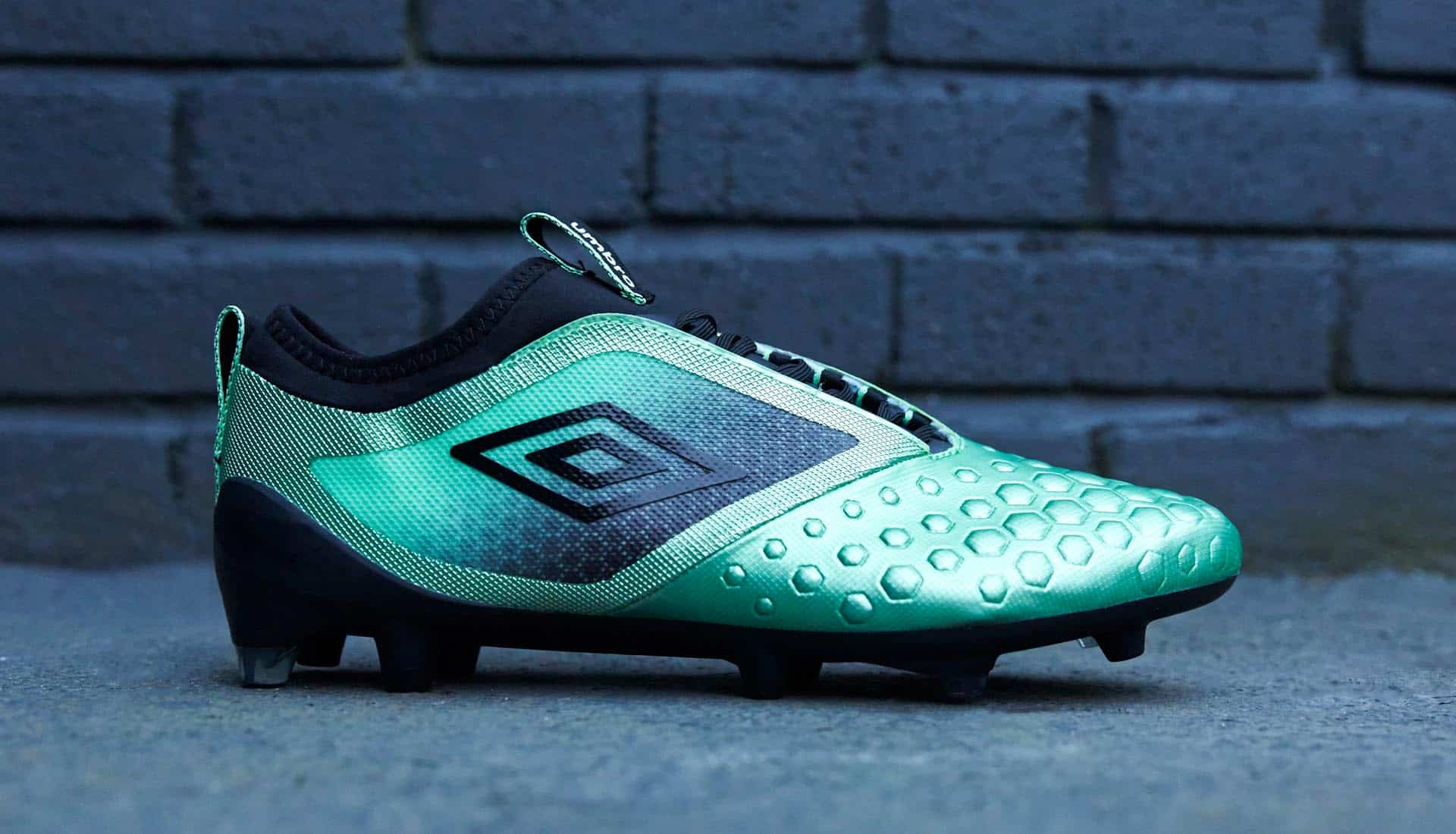 chaussures-football-umbro-pastel-collection-ux-accuro-II-img3
