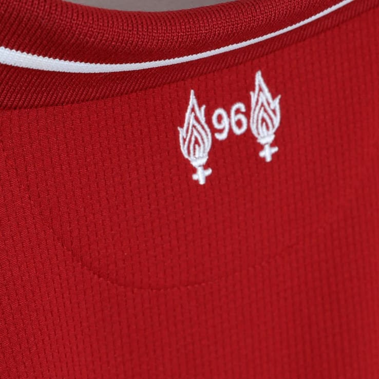 maillot-domicile-liverpool-2018-2019-new-balance-detail-2