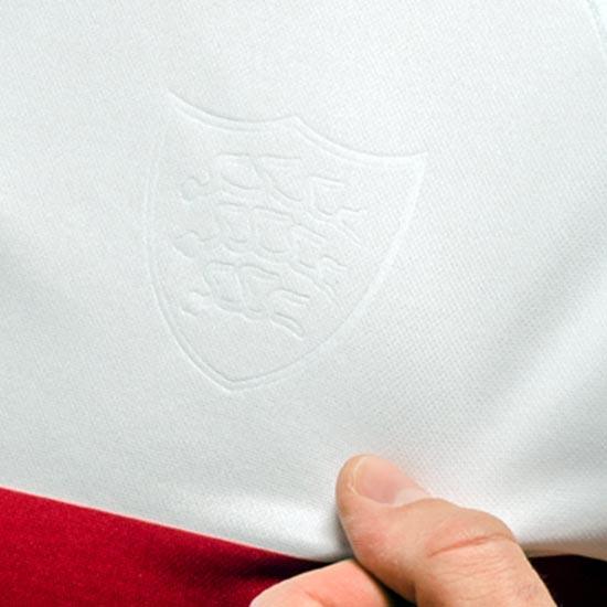 maillot-domicile-vfb-stuttgart-2018-2019-logo