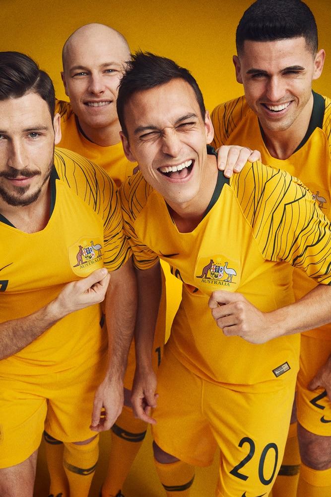 maillot-football-Nike-Australie-domicile-2018-img4