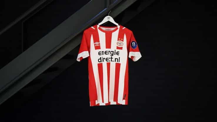 ensemble de foot PSV de foot
