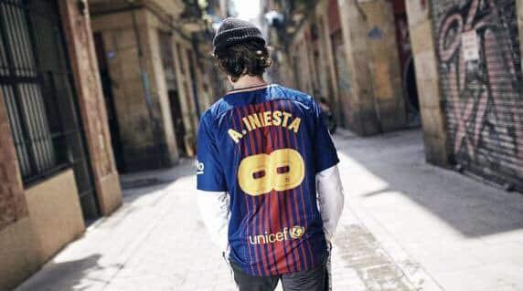 Maillot-football-nike-FC-Barcelone-Iniesta-mai-2018