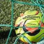 Uhlsport présente Triomphéo, le ballon officiel de la Domino's Ligue 2