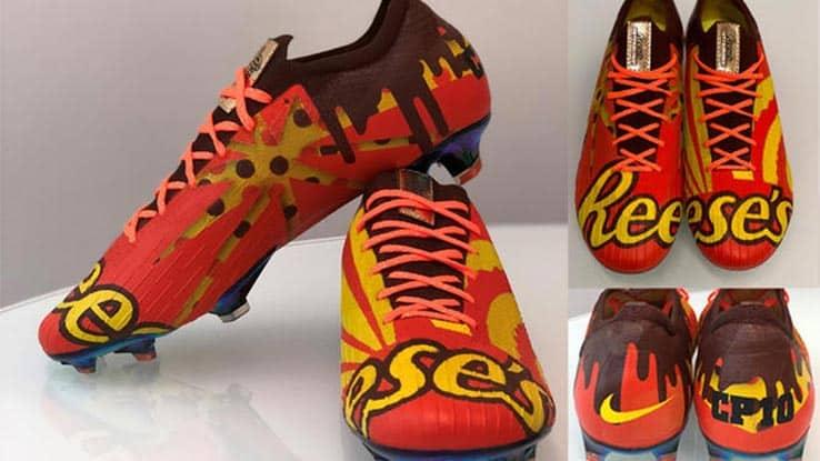 chaussures-football-Nike-Mercurial-Vapor-360-Shoe-Surgeon-custom-Reese-Hershey-img2