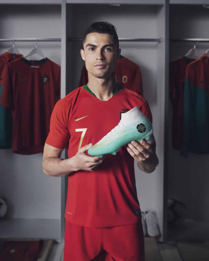 Chaussures-football-nike-mercurial-superfly-CR7-coupe-coupe-monde-2018-juin-2018-1