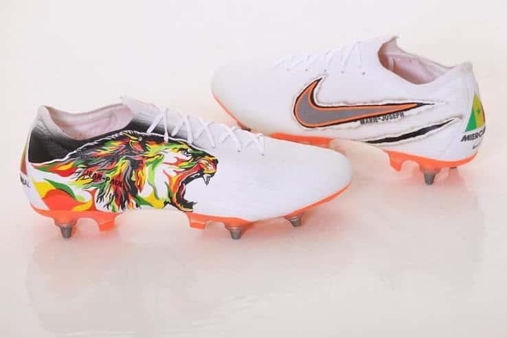 chaussures-football-Nike-Mercurial-Vapor-12-Sénégal-Salif-Sane-img1
