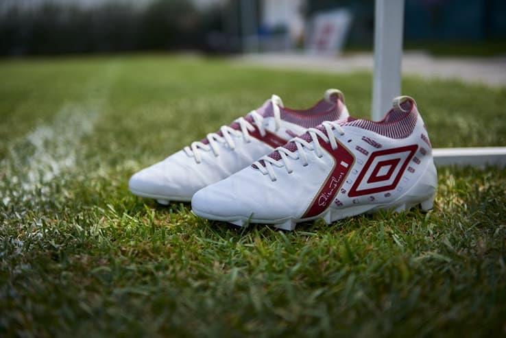 chaussures-football-Umbro-Medusae-Elite-2-blanc-Edison-Flores-img1