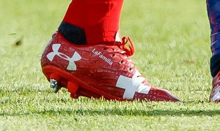 chaussures-football-under-armour-magnetico-xhaka-suisse-coupe-du-monde-2018-juin-20181